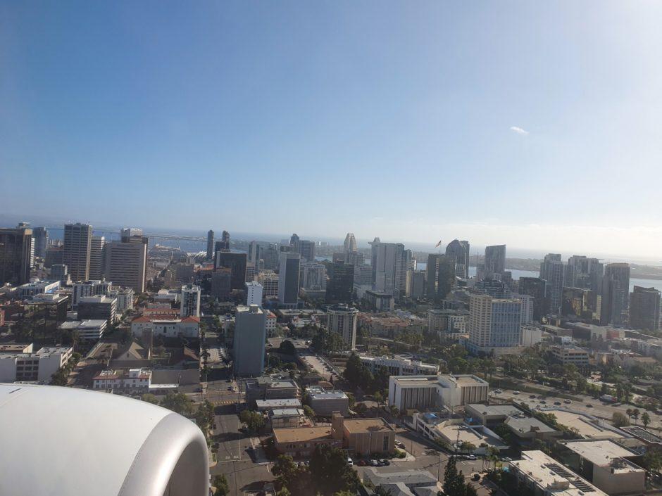 샌디에고 공항 착륙 모습